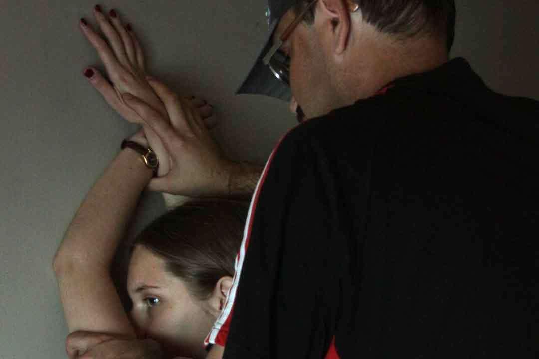 Парень воспользовался беспомощным положением жены видео бесплатно фото 772-161
